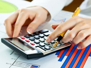 ekonomika-graf-peniaze-kalkulacka-clanok